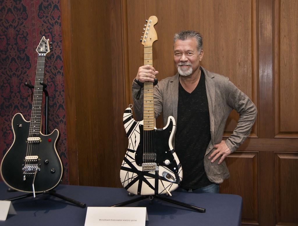 Eddie Van Halen, el legendario guitarrista de rock muere a los 65 a�os