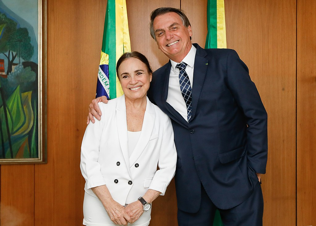 Regina Duarte deja el cargo en la Secretaria Especial de Cultura, anuncia Bolsonaro