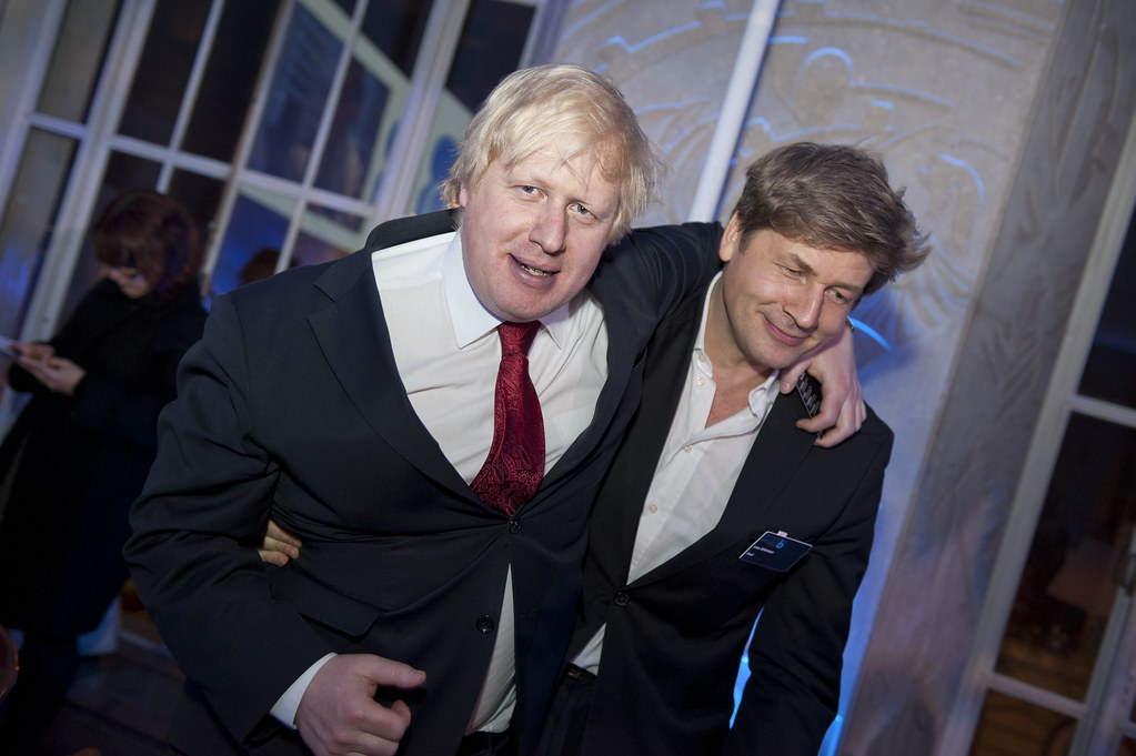 El primer ministro británico Boris Johnson la primera victima de la falta de prevención