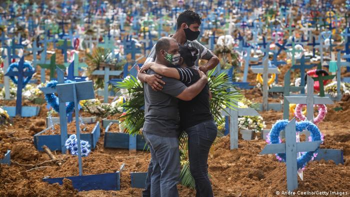Brasil supera por segundo d�a un r�cord de muertes por COVID-19